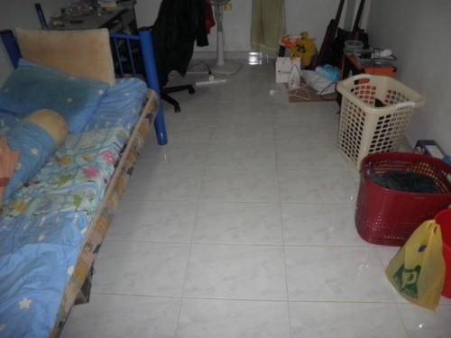 Kamar agak bersih 1